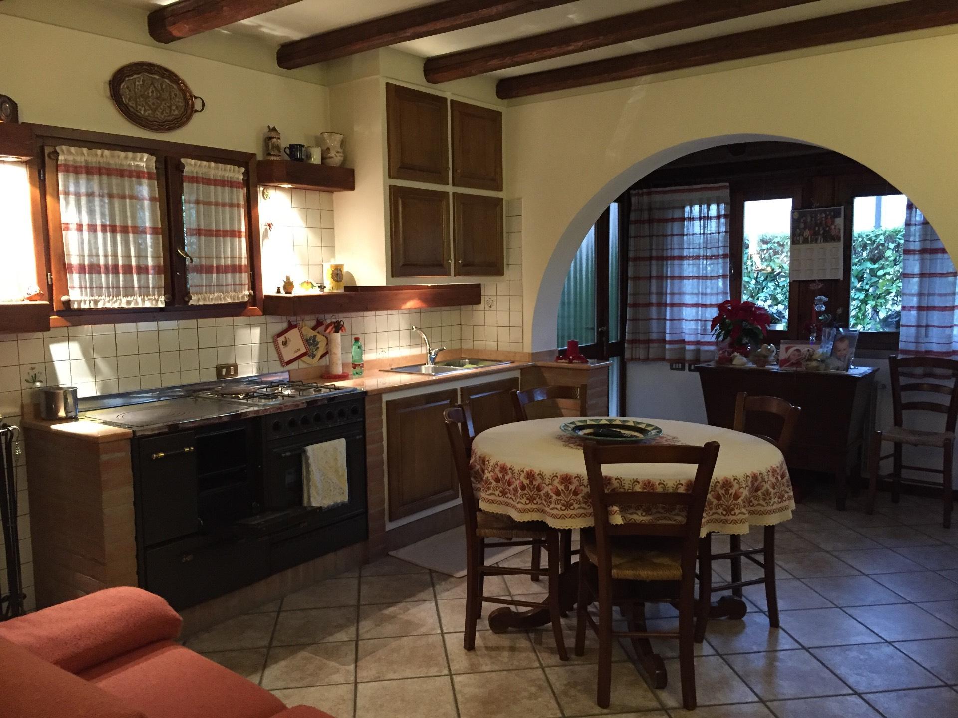 Villa in vendita a Villorba, 16 locali, zona Zona: Lancenigo, prezzo € 320.000   Cambio Casa.it