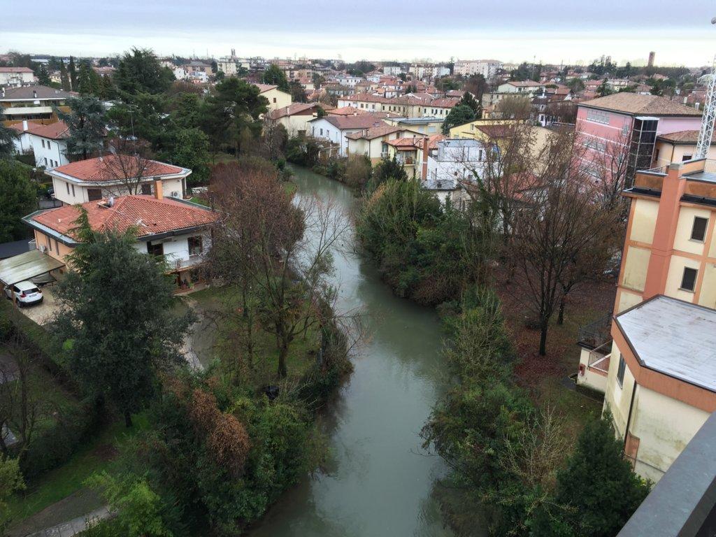 Attico / Mansarda in vendita a Treviso, 5 locali, zona Località: FuoriMura, prezzo € 143.000 | Cambio Casa.it