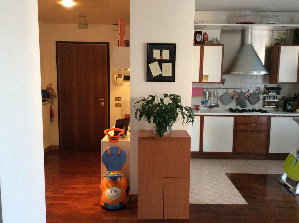 Appartamento in vendita a Ponzano Veneto, 7 locali, zona Zona: Ponzano, prezzo € 180.000 | Cambio Casa.it