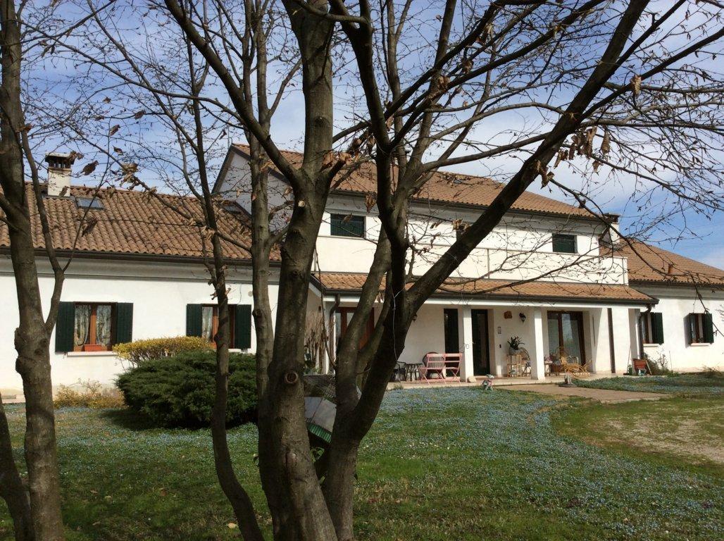Villa Bifamiliare in vendita a Carbonera, 14 locali, zona Zona: Vascon, prezzo € 345.000 | CambioCasa.it