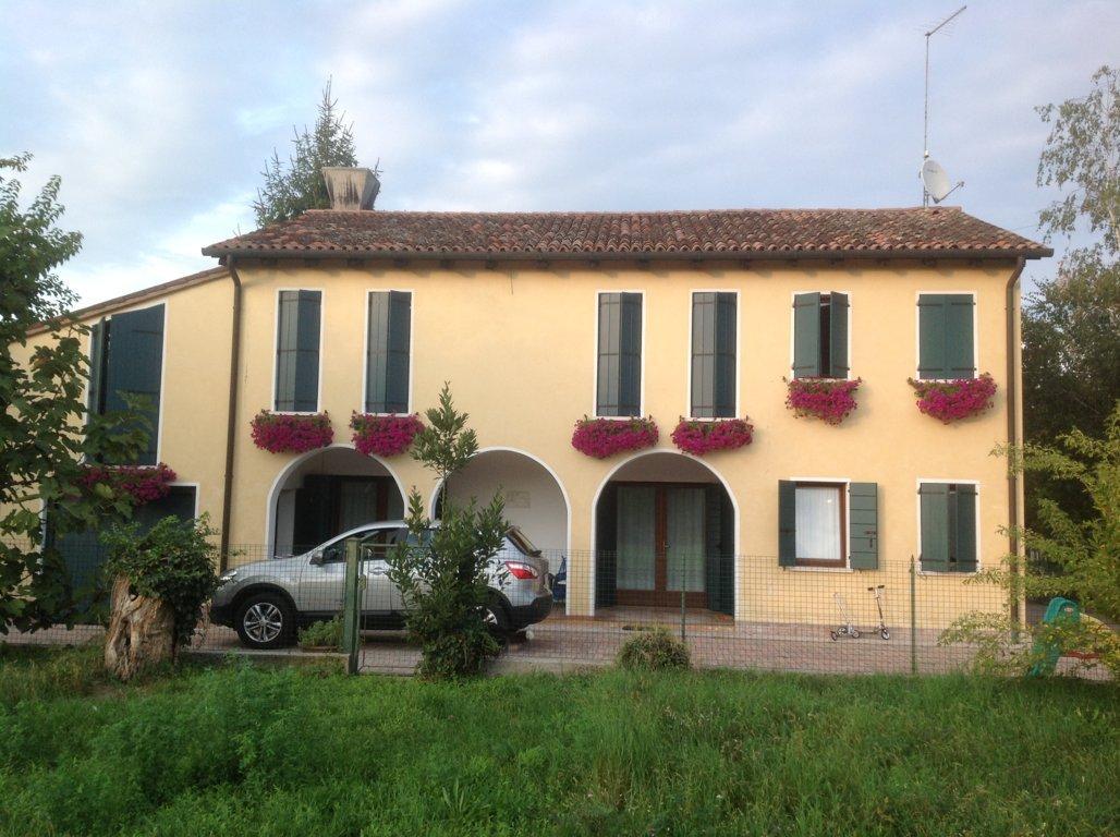 Soluzione Indipendente in vendita a Maserada sul Piave, 11 locali, zona Località: Maserada, prezzo € 340.000   Cambio Casa.it