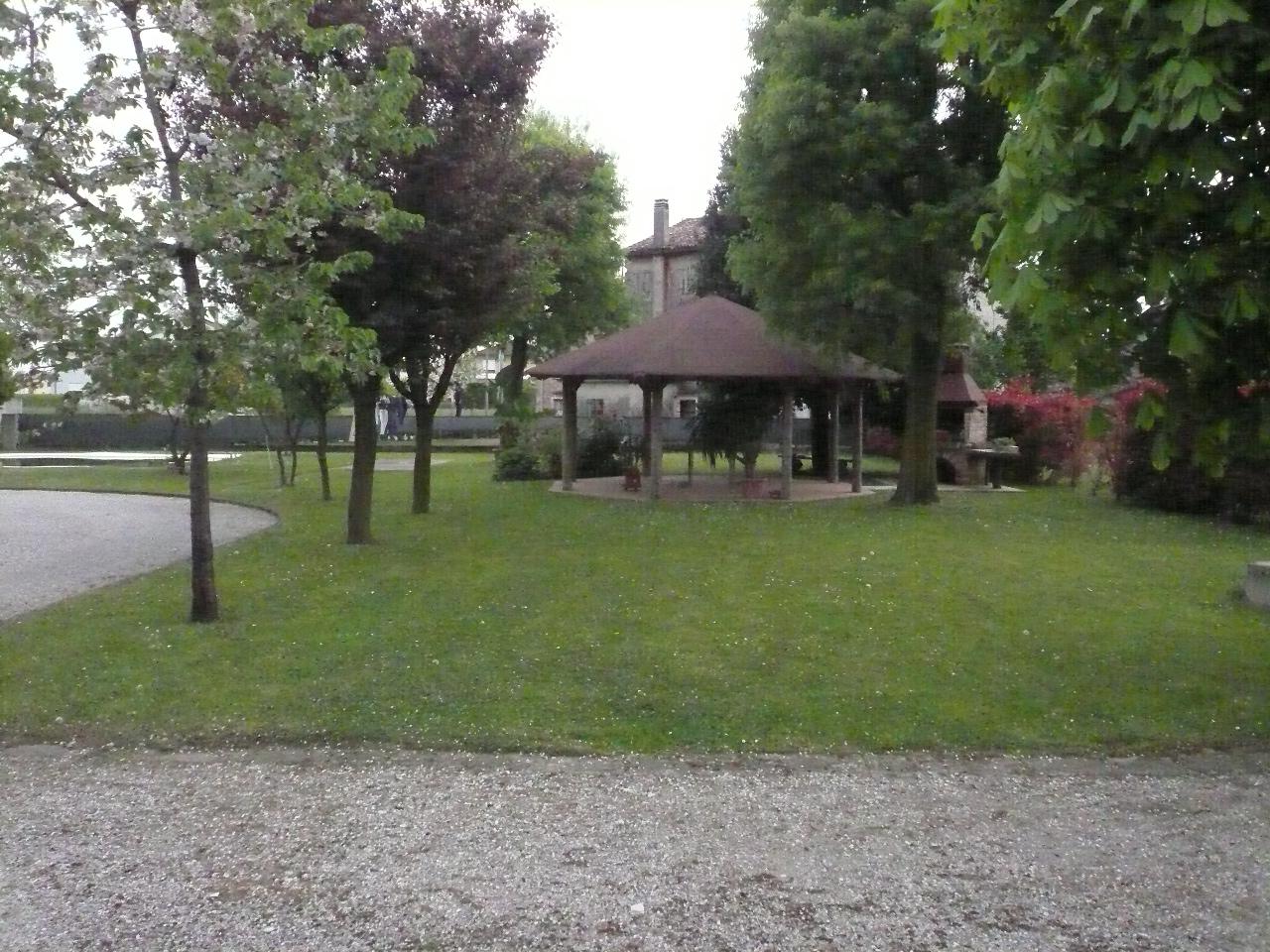 Villa in vendita a Breda di Piave, 16 locali, zona Zona: Pero, prezzo € 275.000 | Cambio Casa.it