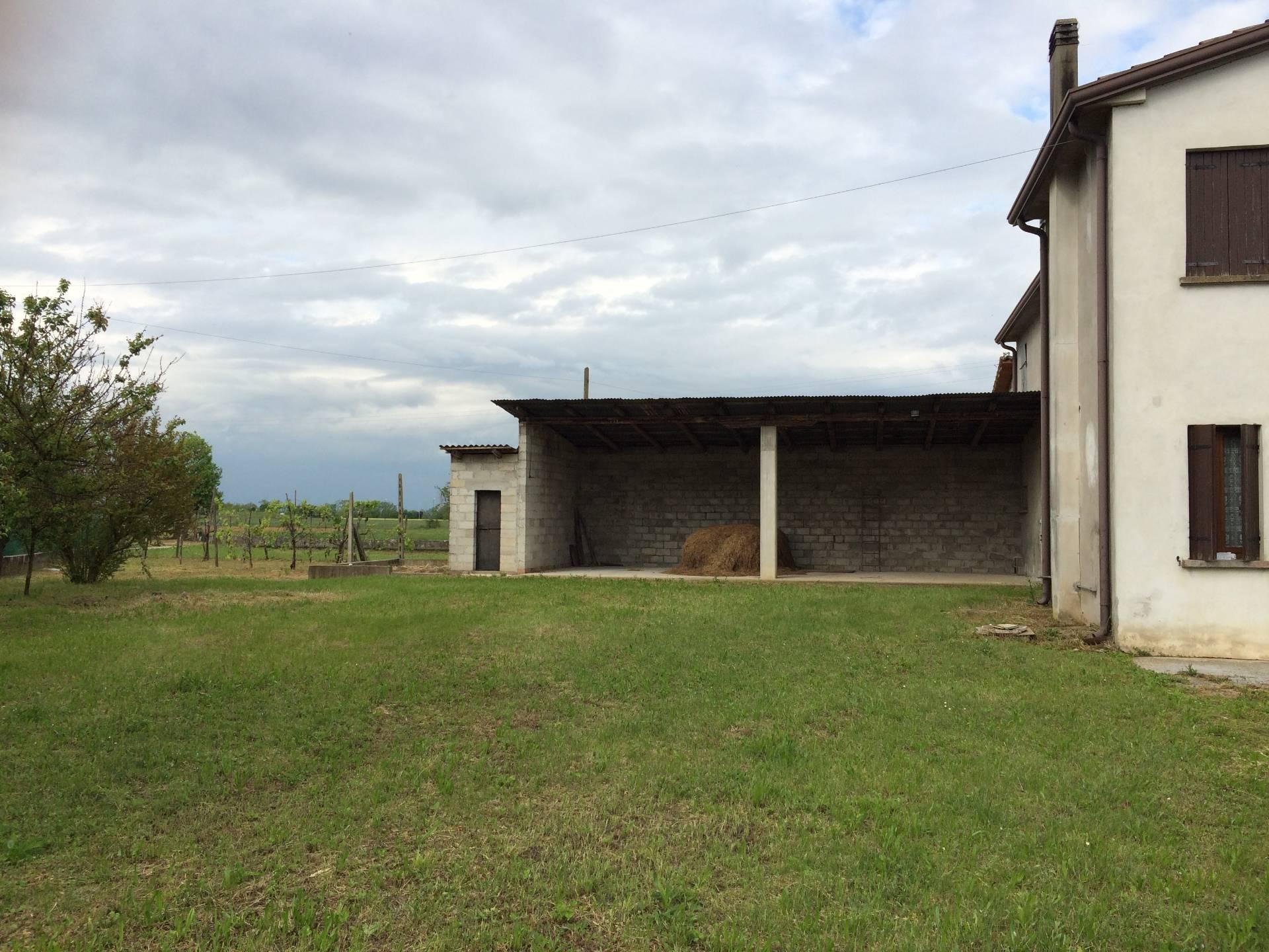 Rustico / Casale in vendita a Paese, 12 locali, zona Zona: Postioma, prezzo € 220.000 | Cambio Casa.it