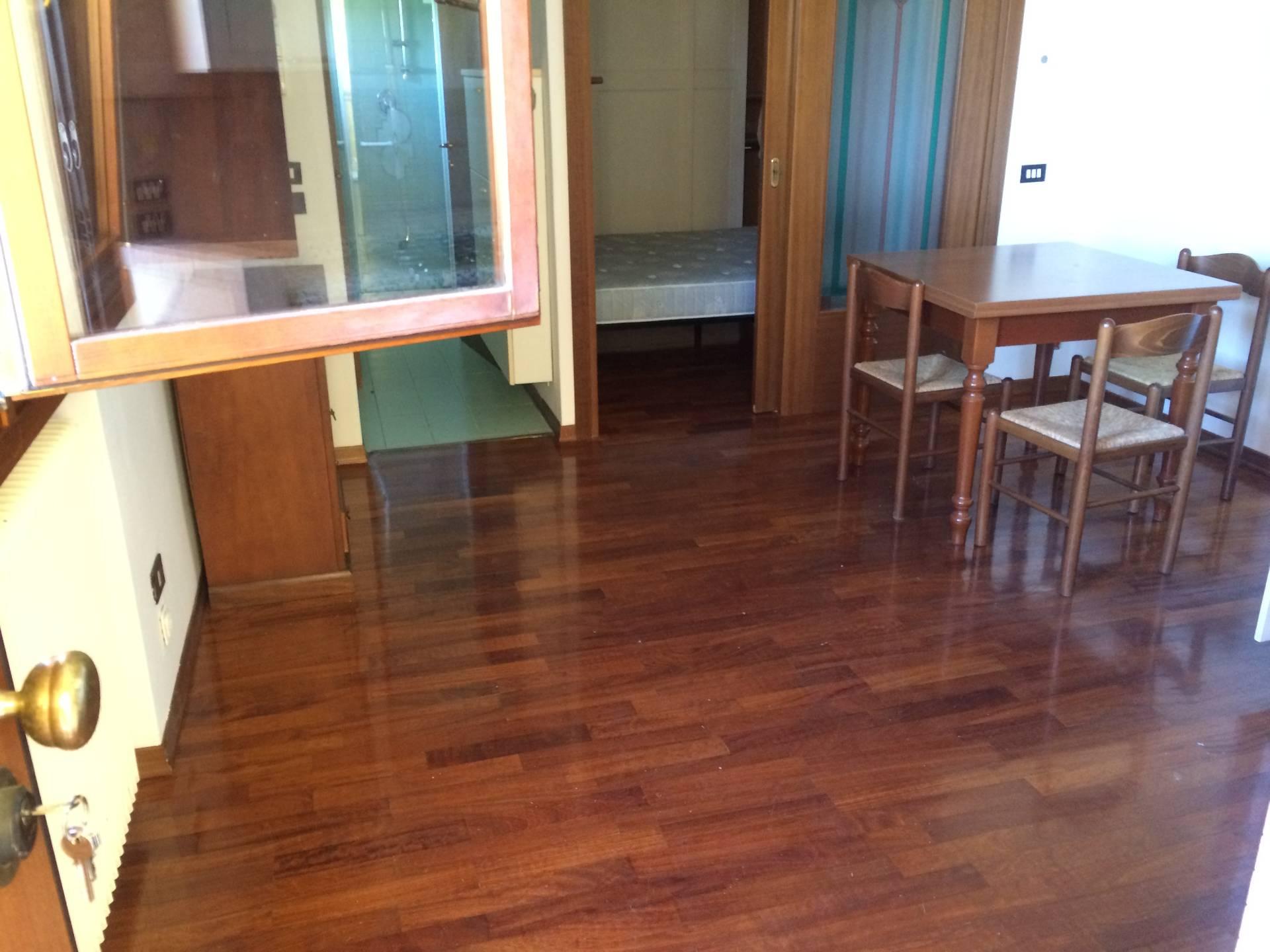 Appartamento in vendita a Villorba, 3 locali, zona Zona: Carità, prezzo € 70.000 | Cambio Casa.it