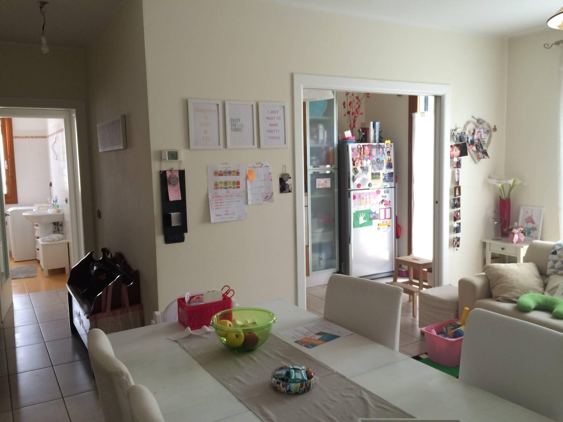 Appartamento in vendita a Spresiano, 5 locali, zona Zona: Visnadello, prezzo € 149.000 | Cambio Casa.it