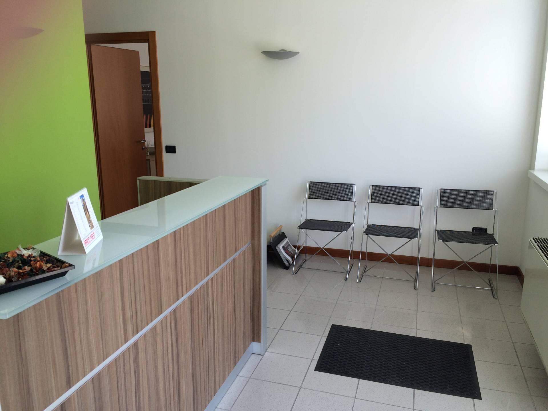 Capannone in vendita a Casier, 9999 locali, zona Località: Dosson, prezzo € 300.000   Cambio Casa.it
