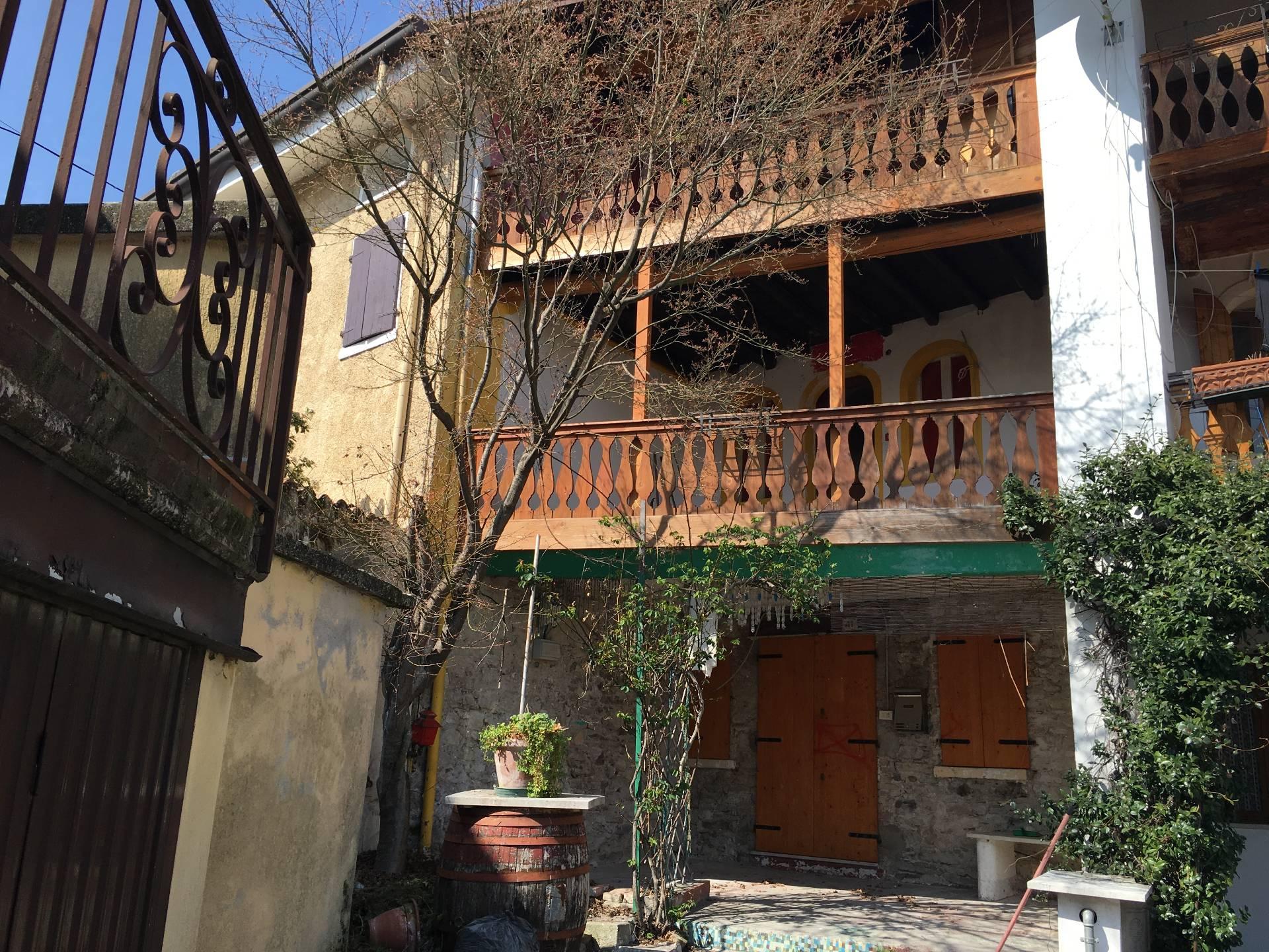 Appartamento in vendita a Pederobba, 6 locali, prezzo € 53.000 | Cambio Casa.it