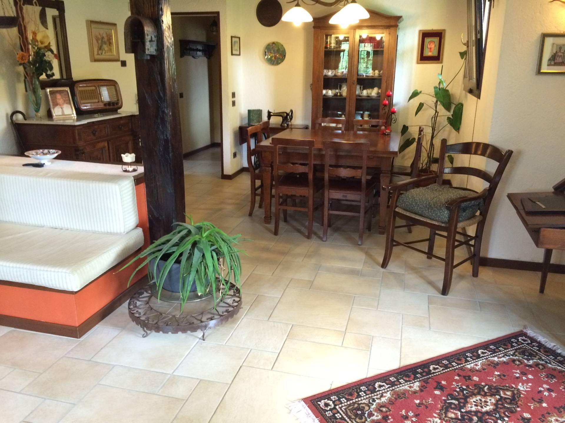 Villa in vendita a Villorba, 15 locali, zona Zona: Carità, prezzo € 430.000   Cambio Casa.it