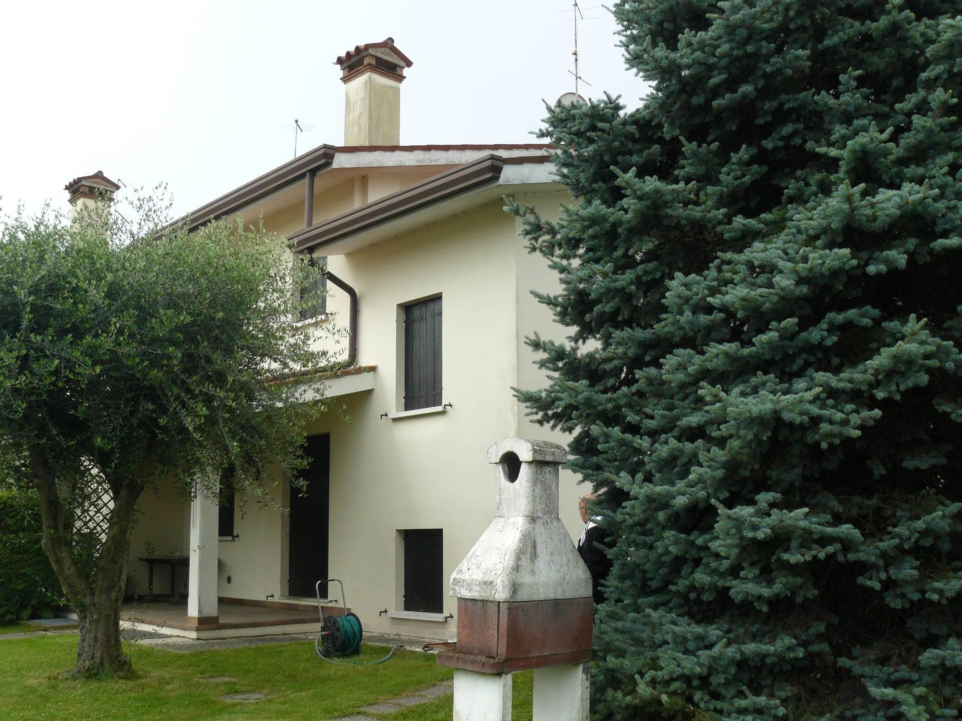 Villa in vendita a Breda di Piave, 13 locali, zona Località: Breda, prezzo € 195.000 | Cambio Casa.it