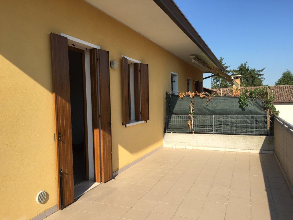 Appartamento in affitto a Villorba, 5 locali, zona Località: Centro, prezzo € 450 | Cambio Casa.it