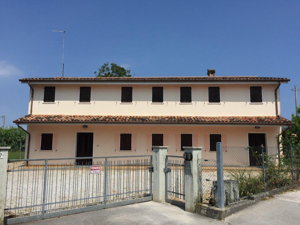 Villa in vendita a Villorba, 10 locali, zona Zona: Fontane, prezzo € 327.000   Cambio Casa.it