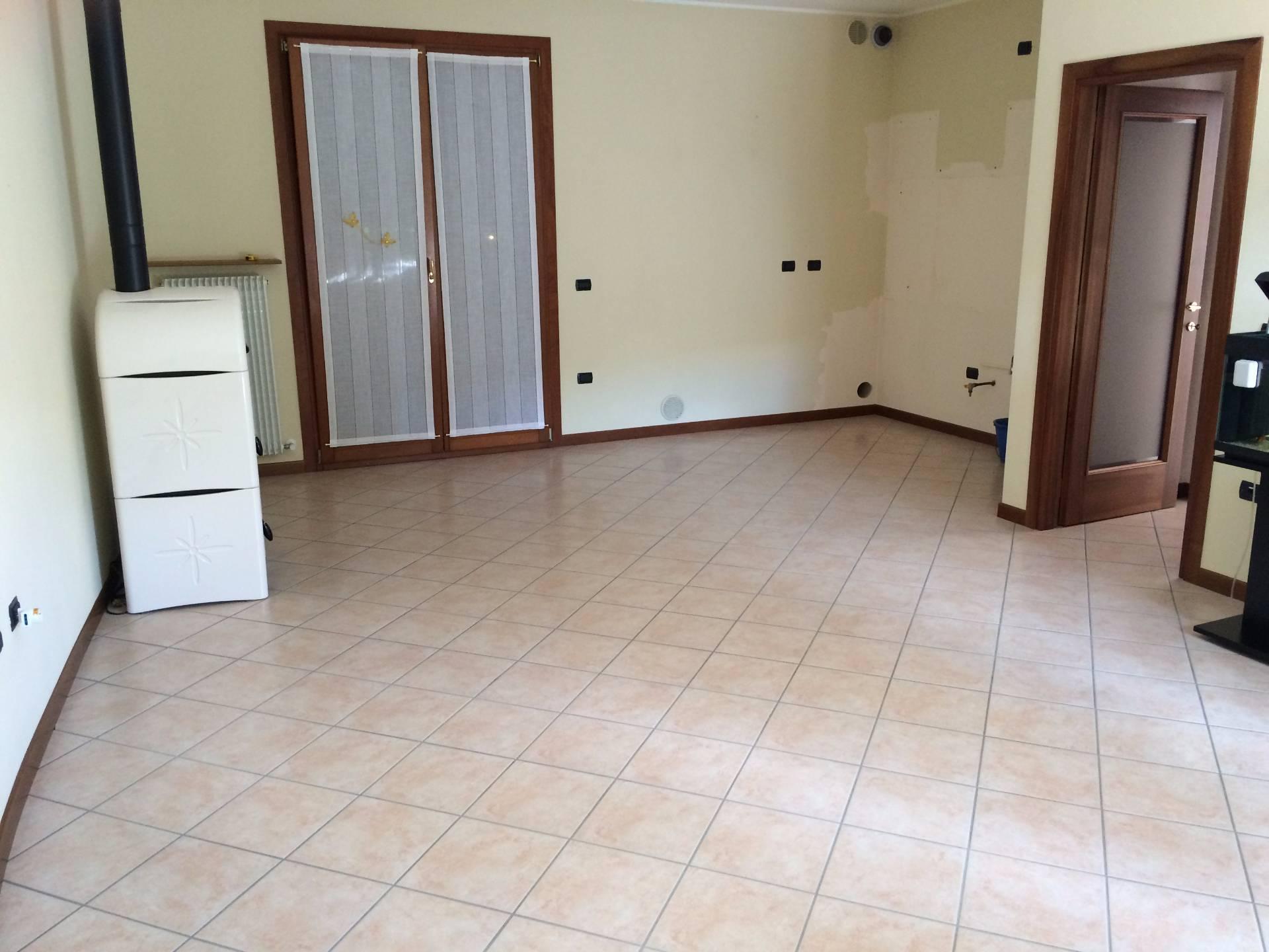 Villa in vendita a Maserada sul Piave, 6 locali, prezzo € 220.000 | Cambio Casa.it