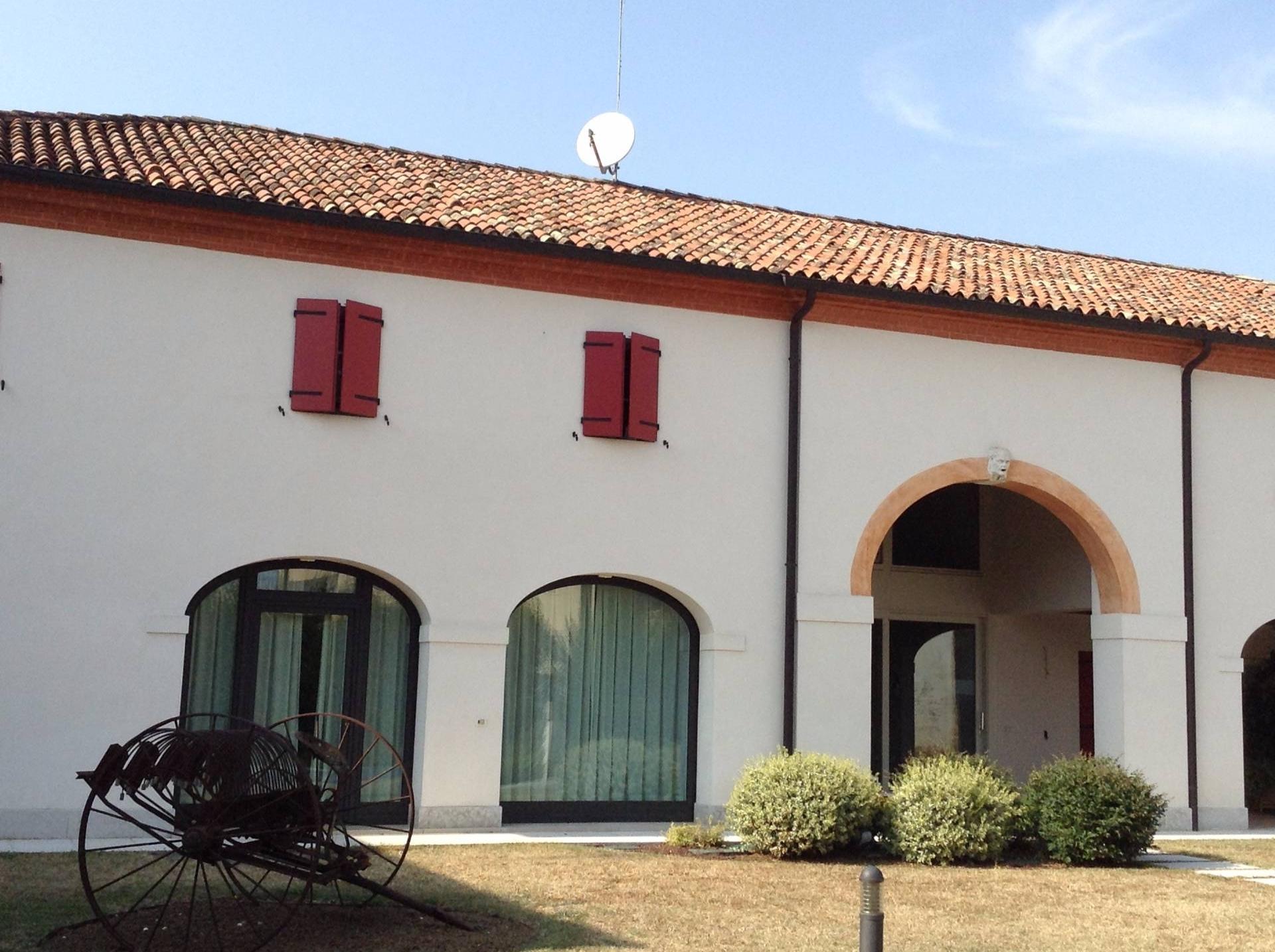 Rustico / Casale in vendita a Ponzano Veneto, 10 locali, prezzo € 285.000 | CambioCasa.it