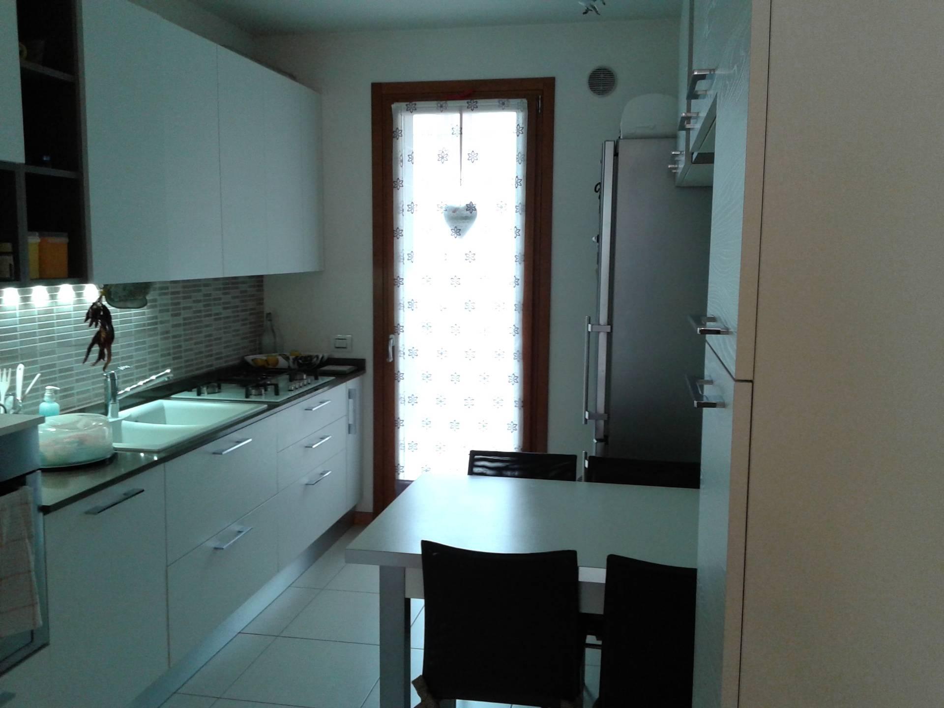 Appartamento in vendita a Monastier di Treviso, 5 locali, prezzo € 195.000 | Cambio Casa.it