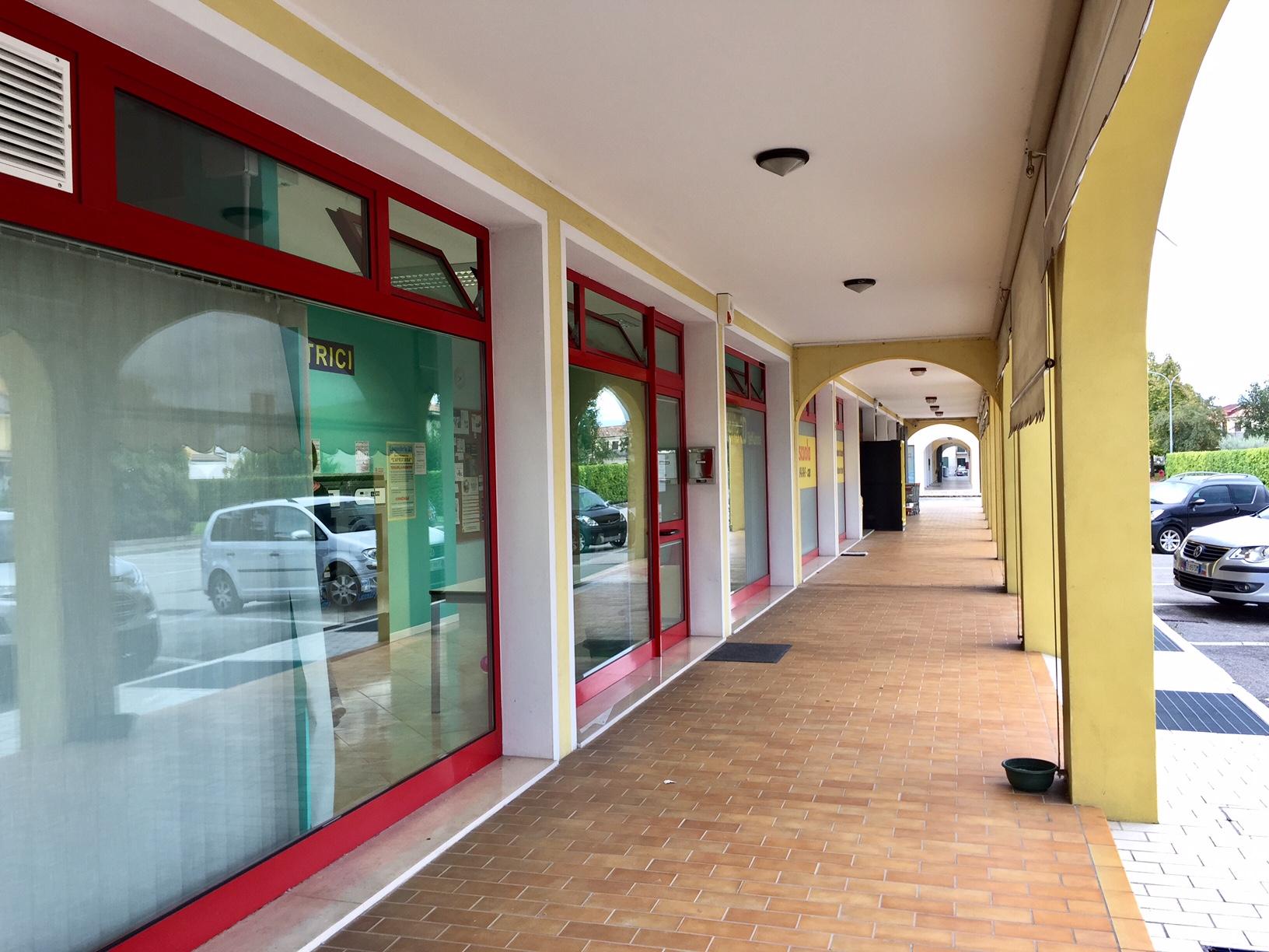 Negozio / Locale in vendita a Roncade, 9999 locali, zona Zona: Biancade, prezzo € 138.000 | Cambio Casa.it
