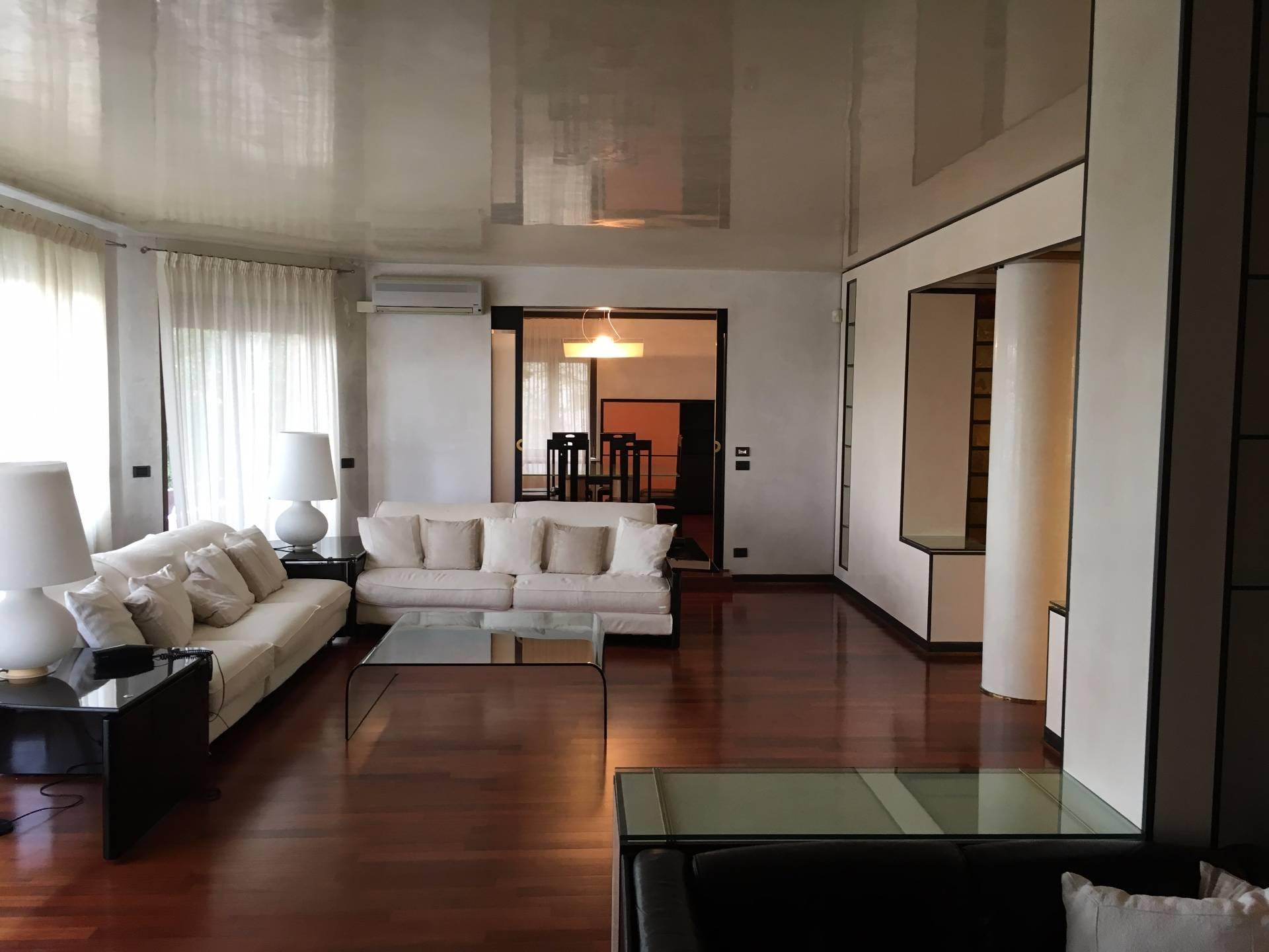Appartamento in affitto a Treviso, 10 locali, zona Località: FuoriMura, prezzo € 2.000   Cambio Casa.it
