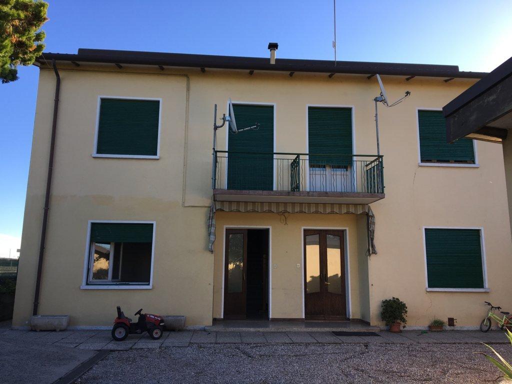 Altro in affitto a Villorba, 7 locali, zona Zona: Villorba, prezzo € 400 | Cambio Casa.it