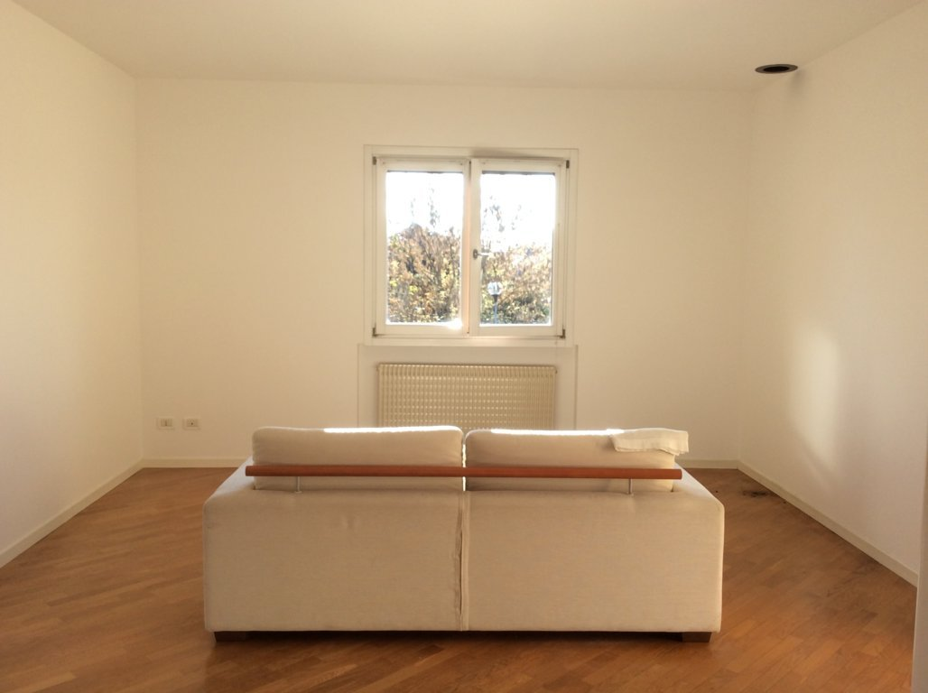 Appartamento in vendita a Spresiano, 4 locali, zona Località: Centro, prezzo € 117.000 | Cambio Casa.it