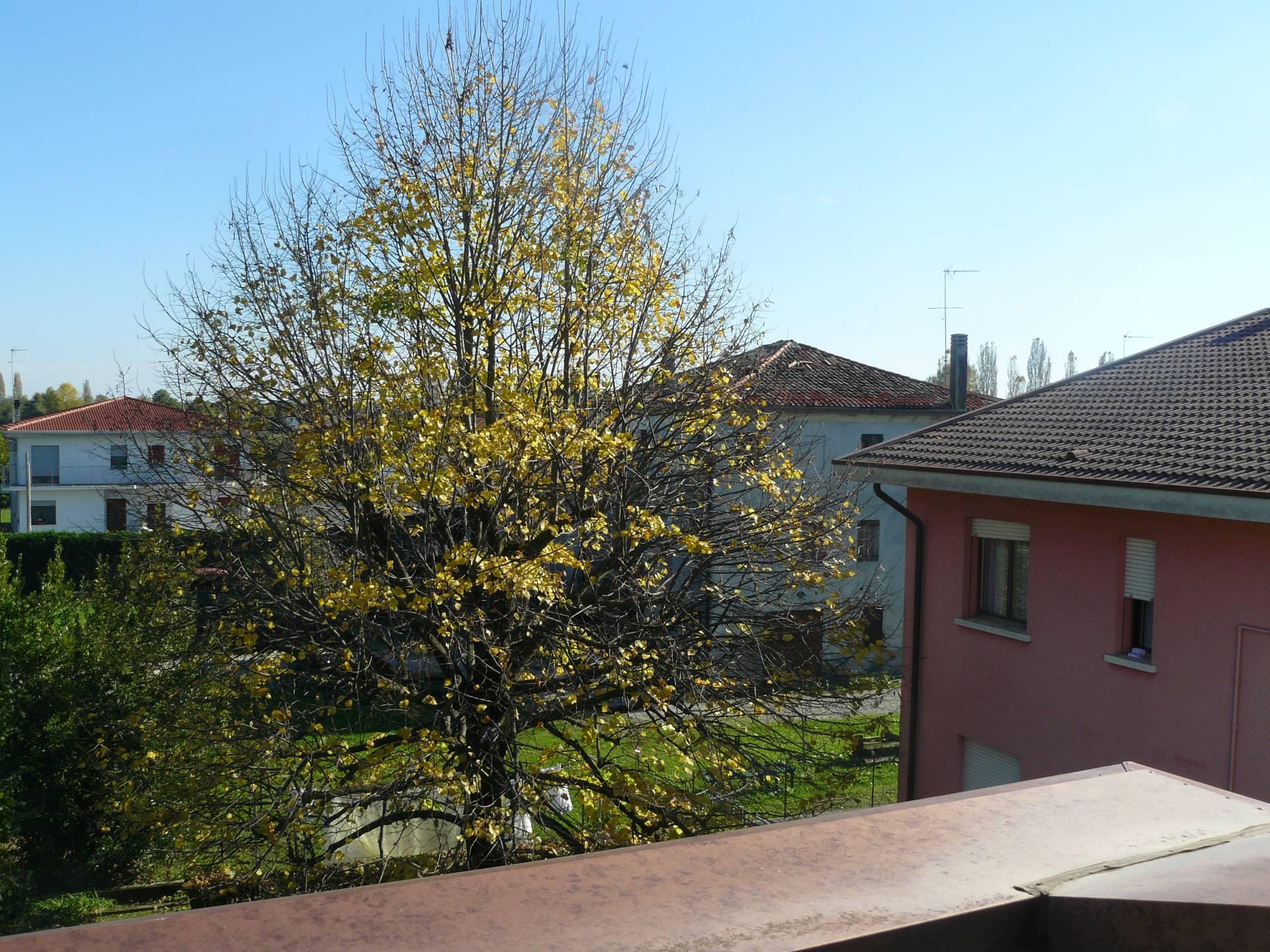 Appartamento in vendita a Silea, 8 locali, prezzo € 240.000 | Cambio Casa.it