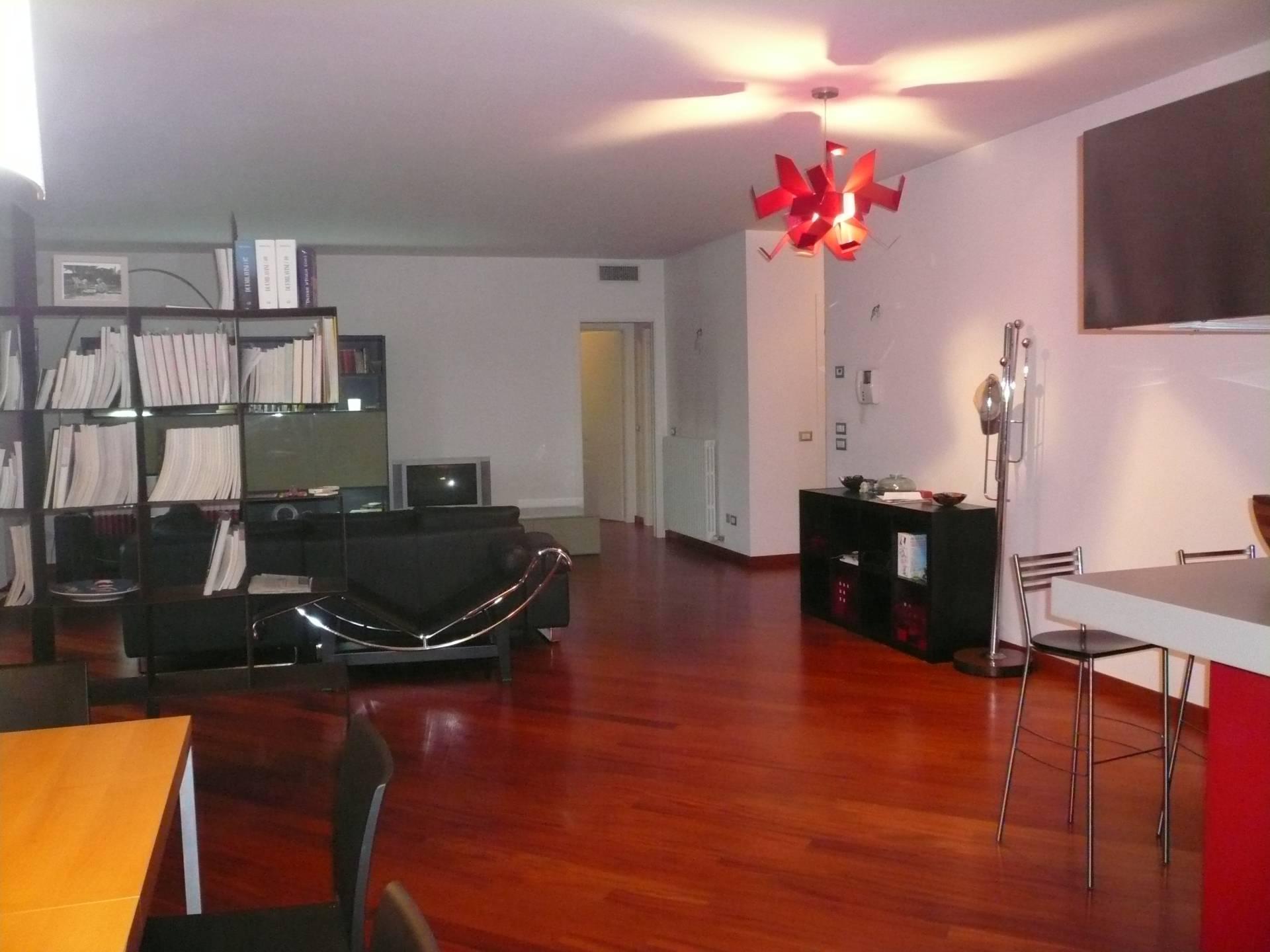 Appartamento in vendita a Silea, 5 locali, zona Zona: Lanzago, prezzo € 270.000 | Cambio Casa.it