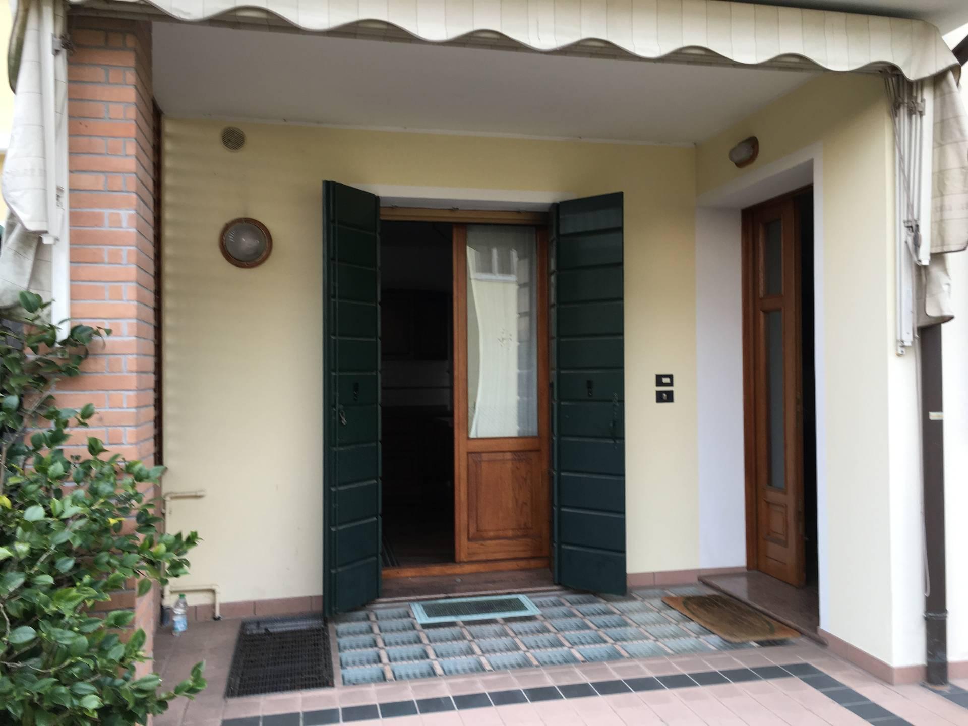 Villa Bifamiliare in affitto a Silea, 12 locali, prezzo € 1.000 | Cambio Casa.it