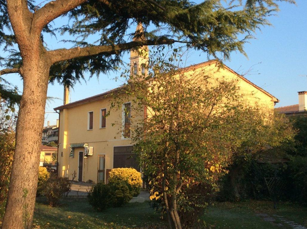 Soluzione Indipendente in vendita a Villorba, 9 locali, zona Zona: Villorba, prezzo € 210.000 | Cambio Casa.it