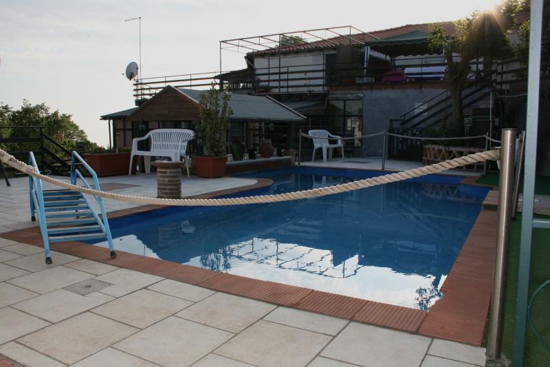 Villa vendita BELPASSO (CT) - 7 LOCALI - 320 MQ