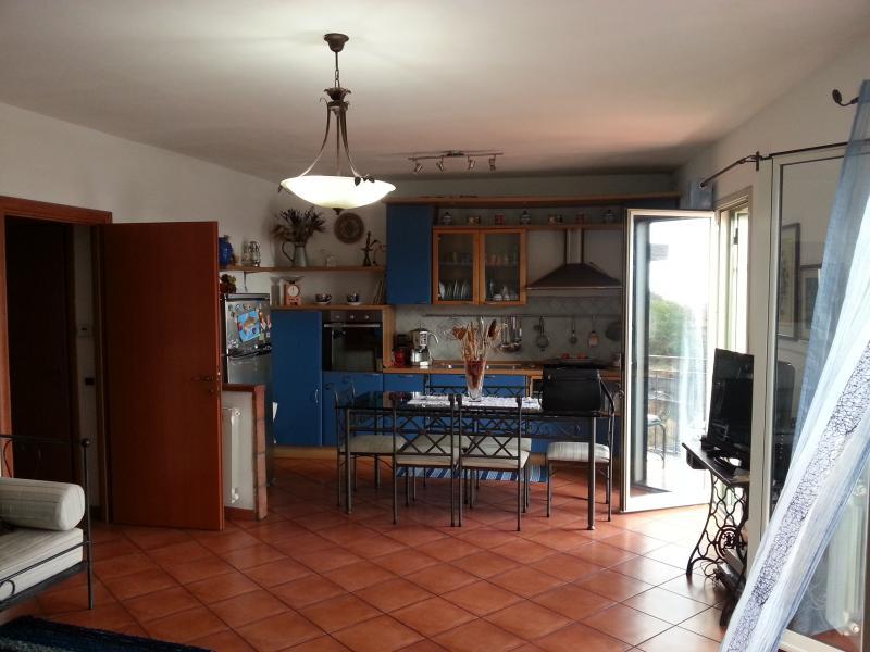 Appartamento in vendita a Belpasso, 3 locali, prezzo € 110.000 | Cambio Casa.it