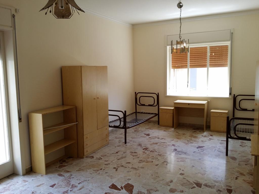 Appartamento in affitto a Gravina di Catania, 5 locali, prezzo € 200 | CambioCasa.it