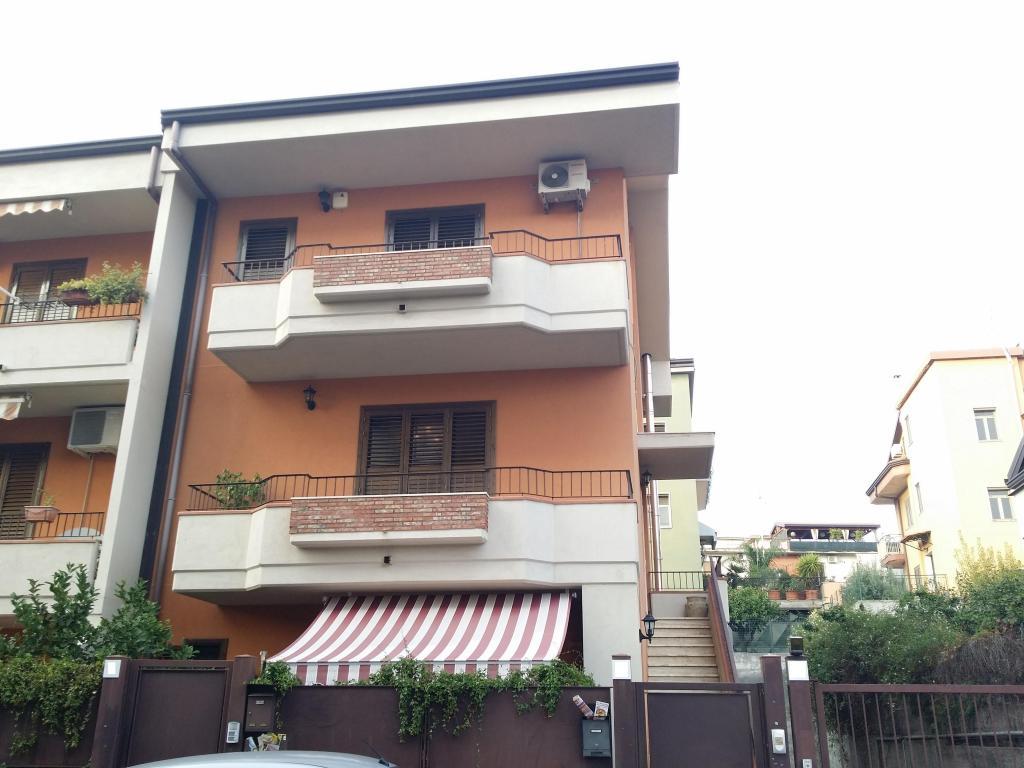 Villa a Schiera in Vendita a Gravina di Catania