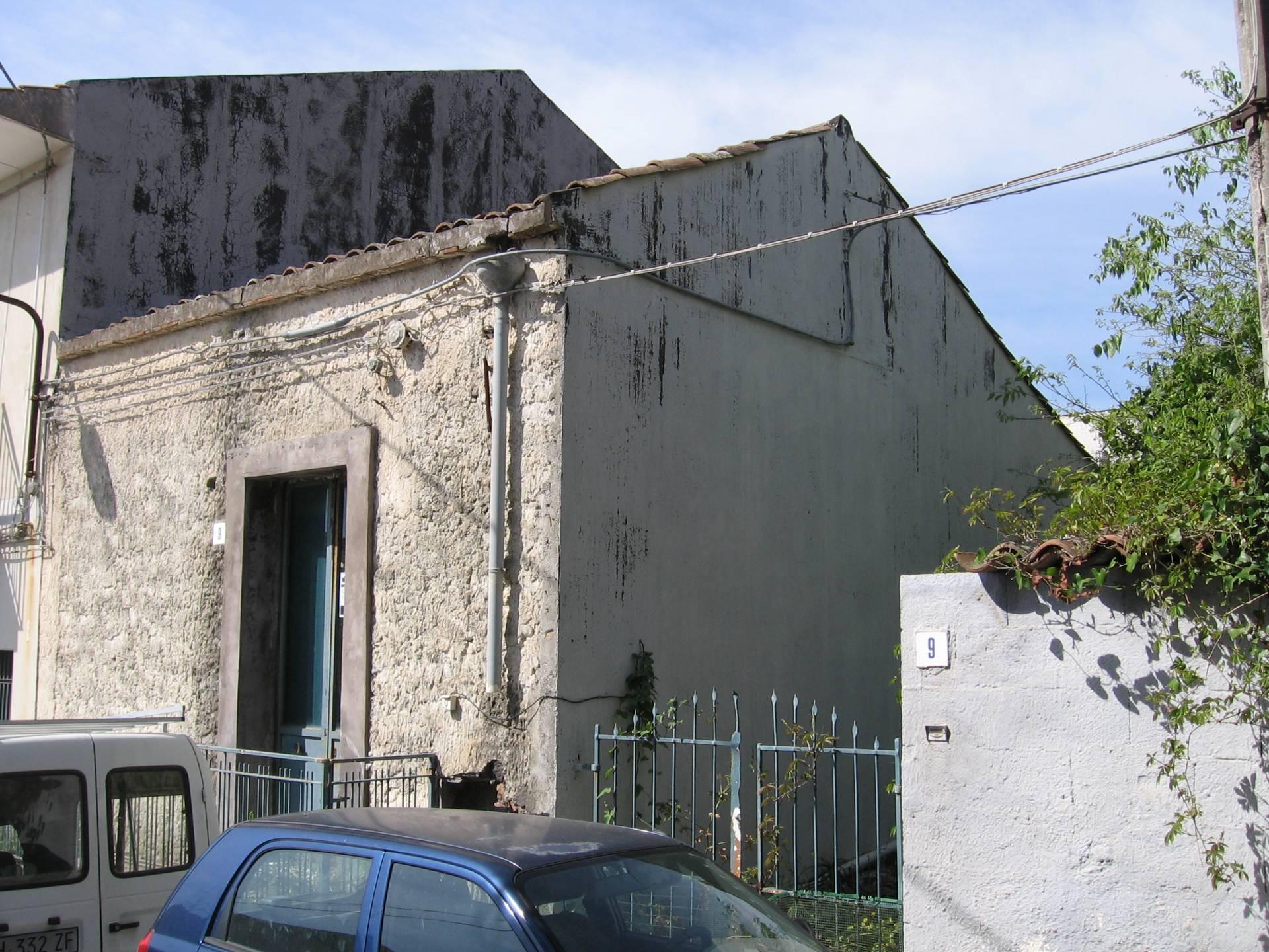 Soluzione Indipendente in vendita a Valverde, 2 locali, zona Località: carminello, prezzo € 79.000 | Cambio Casa.it
