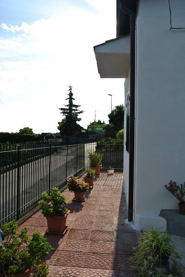 Villa in vendita a Aci Castello, 3 locali, zona Zona: Ficarazzi, prezzo € 159.000 | Cambio Casa.it