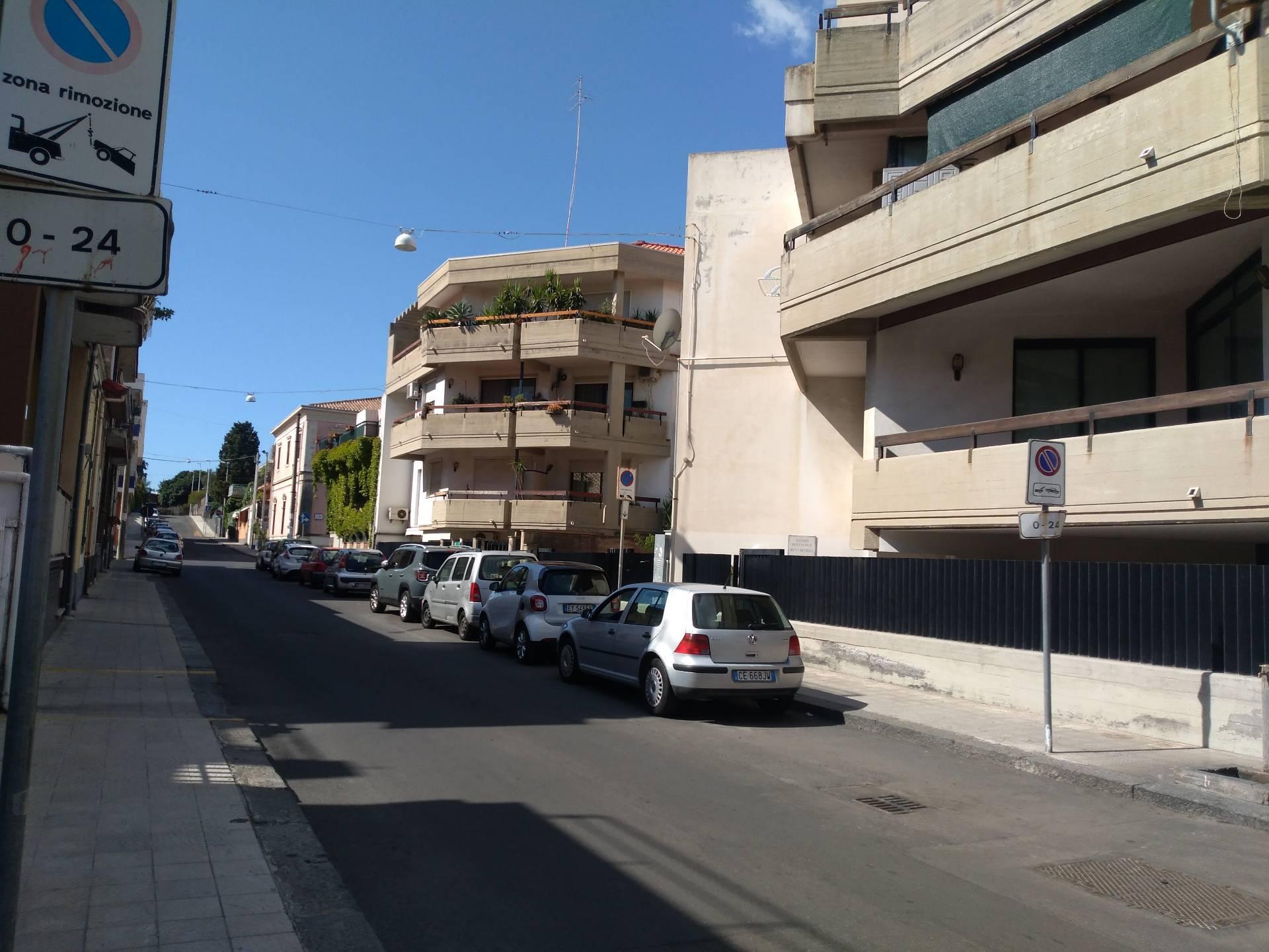 Appartamento in affitto a Aci Castello, 3 locali, zona Località: AciCastello, prezzo € 50 | CambioCasa.it