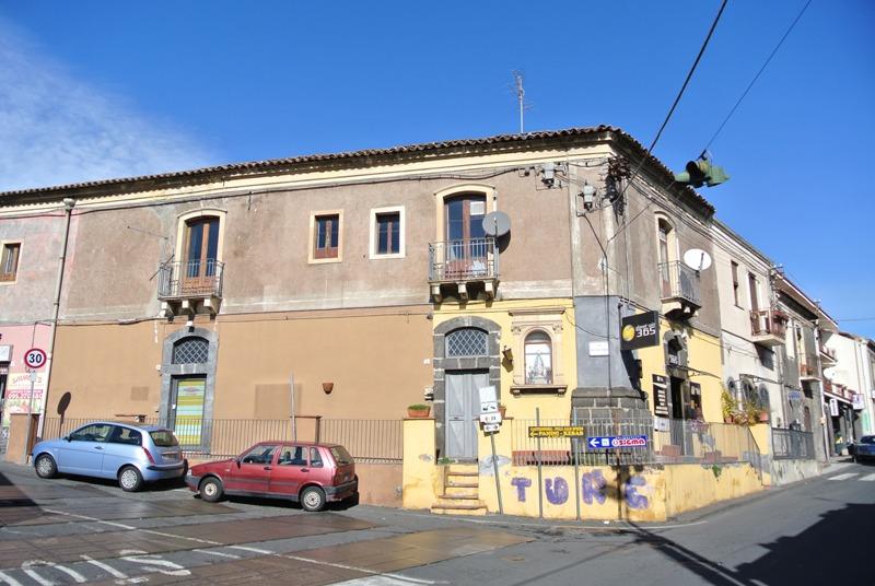 Negozio / Locale in vendita a Aci Castello, 9999 locali, zona Zona: Ficarazzi, prezzo € 99.000 | CambioCasa.it