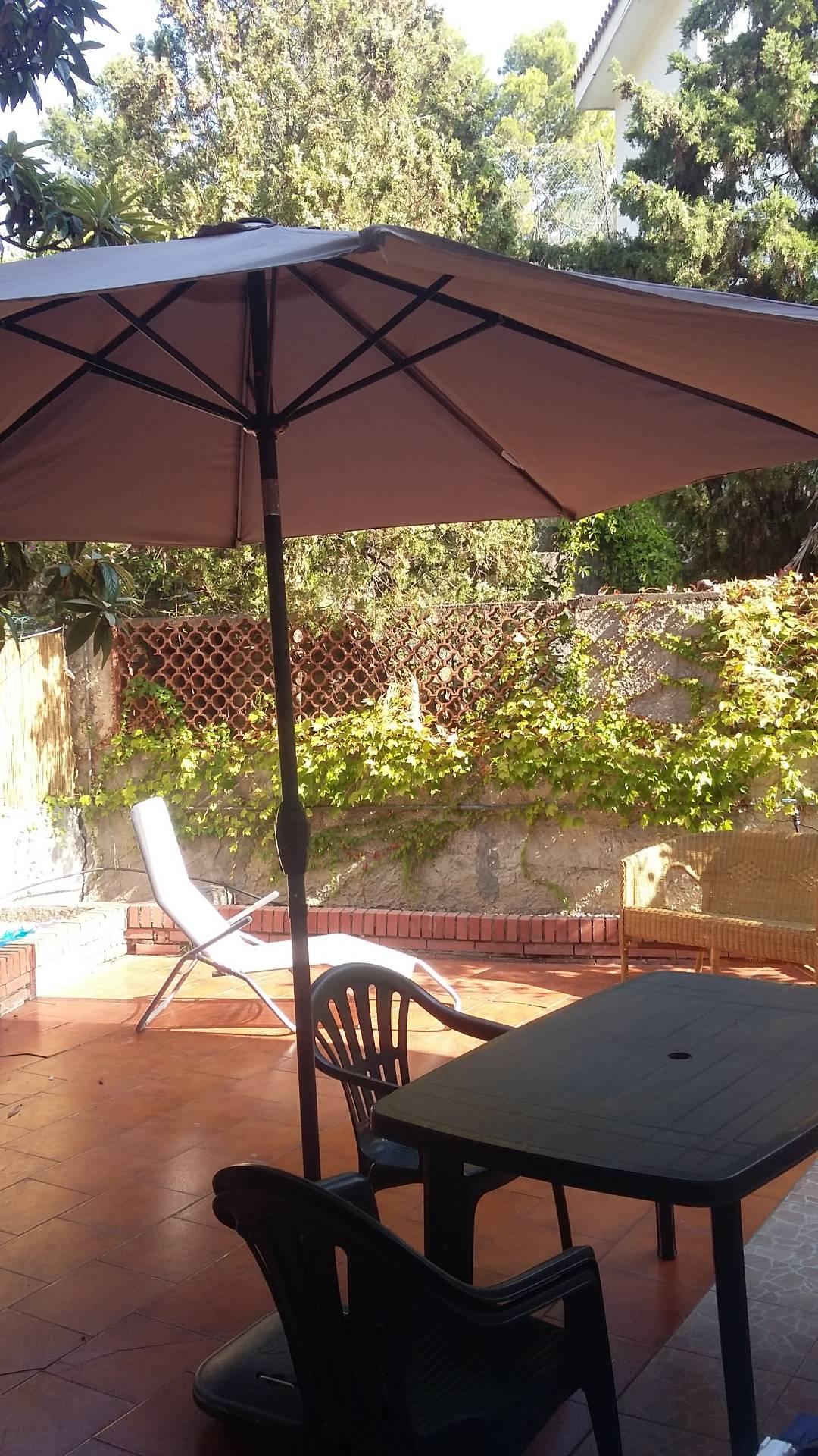Appartamento in affitto a Aci Castello, 3 locali, zona Zona: Acitrezza, prezzo € 500 | CambioCasa.it