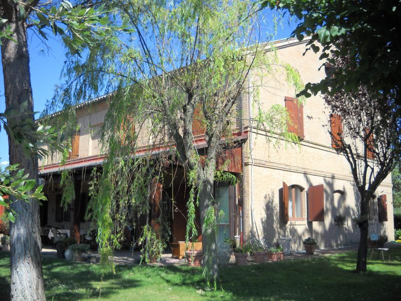 Villa in vendita a Macerata, 12 locali, zona Zona: Periferia, Trattative riservate | Cambio Casa.it