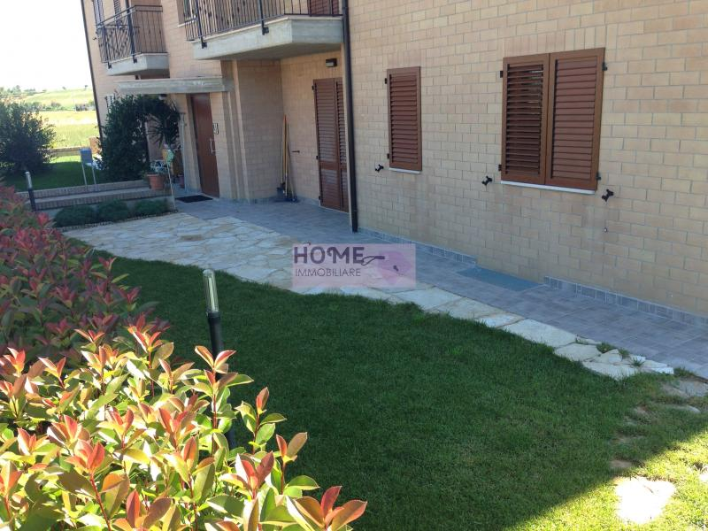 Appartamento in vendita a Corridonia, 6 locali, zona Località: ZonaIndustriale, prezzo € 240.000 | Cambio Casa.it