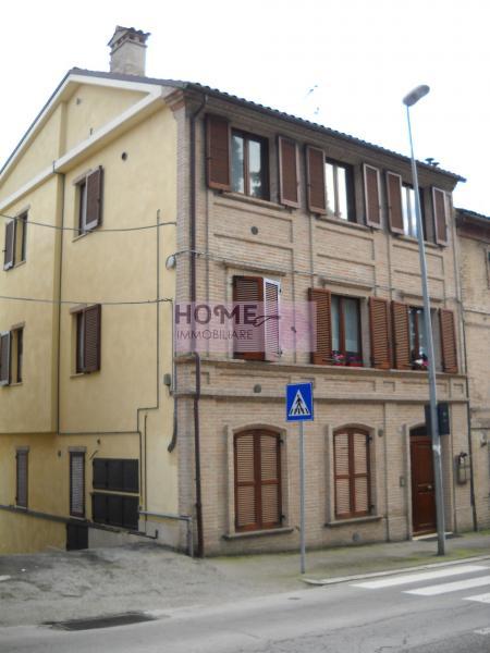 Appartamento in vendita a Macerata, 3 locali, zona Località: zonaColleverde, prezzo € 90.000 | Cambio Casa.it