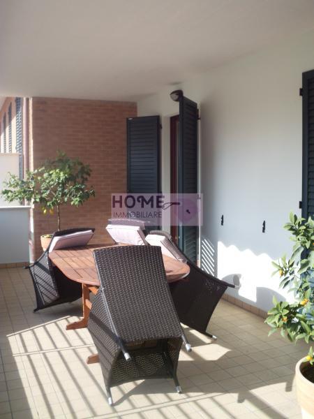 Appartamento in vendita a Macerata, 5 locali, zona Zona: Semicentrale, Trattative riservate | Cambio Casa.it