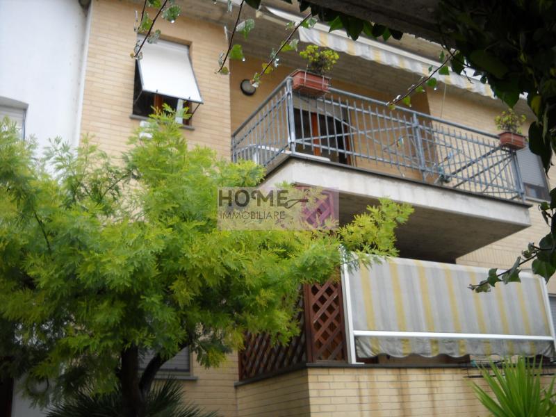 Appartamento in vendita a Corridonia, 7 locali, zona Zona: Colbuccaro, prezzo € 270.000 | Cambio Casa.it