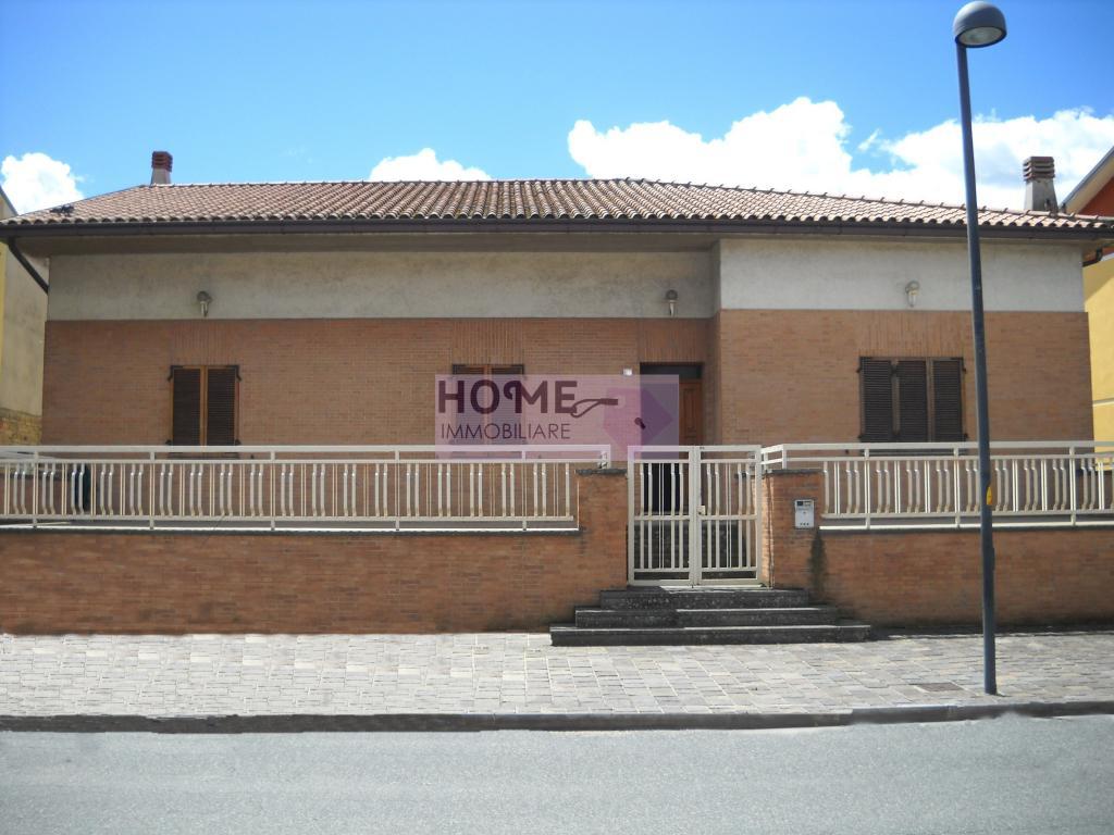 Soluzione Indipendente in vendita a Montecassiano, 9 locali, zona Località: Sambucheto, prezzo € 320.000 | CambioCasa.it