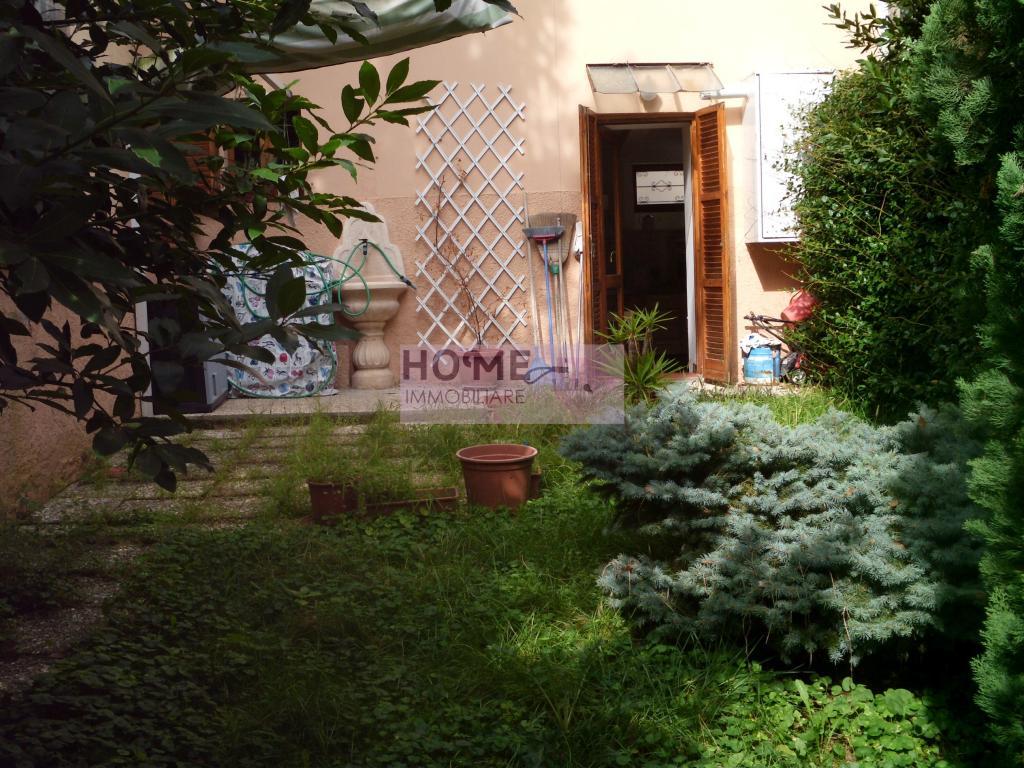 Soluzione Indipendente in vendita a Macerata, 5 locali, zona Località: Centrostorico, prezzo € 140.000 | CambioCasa.it