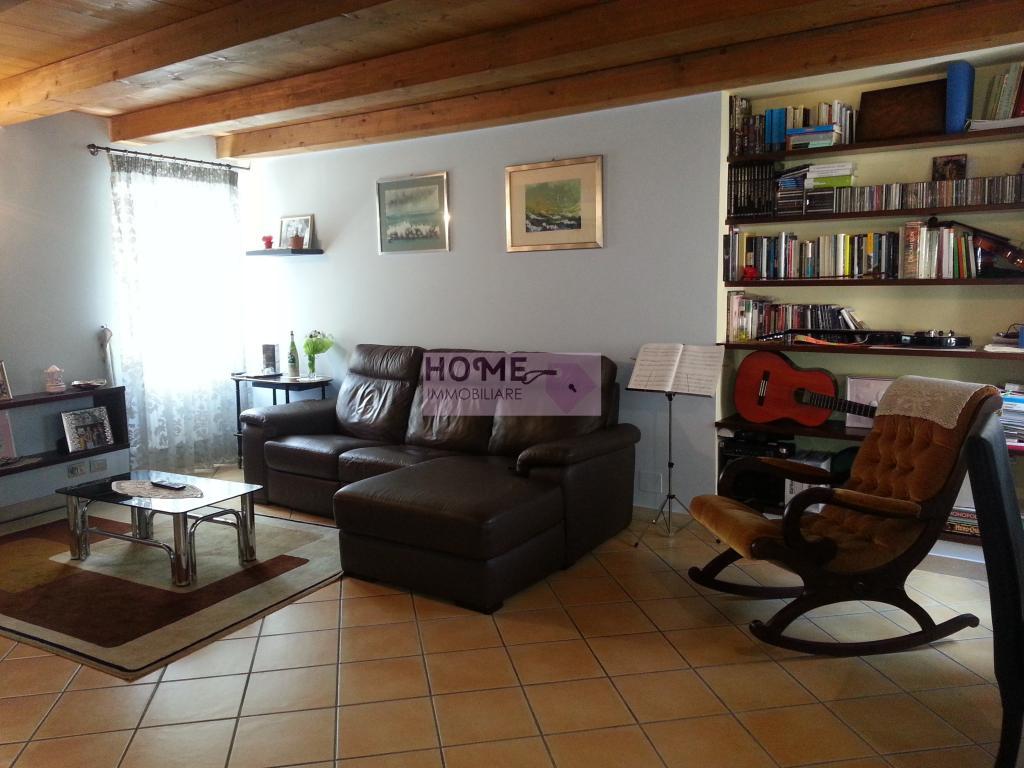 Soluzione Indipendente in vendita a Macerata, 5 locali, zona Località: Centrostorico, prezzo € 140.000 | Cambio Casa.it
