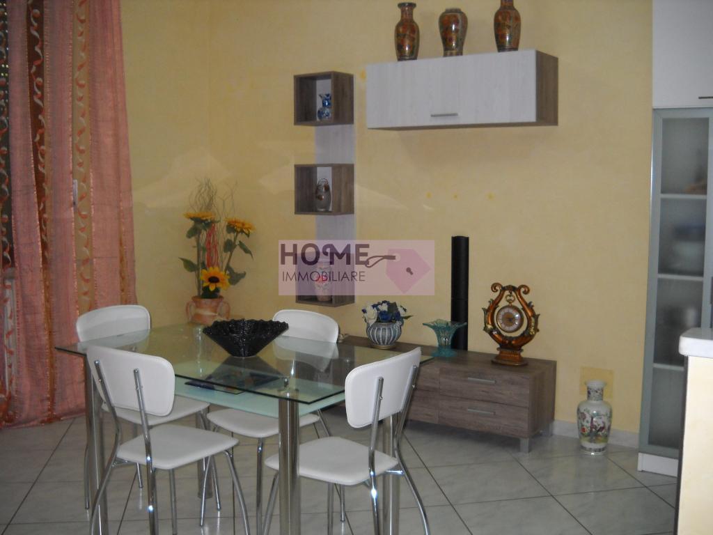 Appartamento in vendita a Macerata, 4 locali, zona Località: Centrostorico, prezzo € 105.000 | Cambio Casa.it