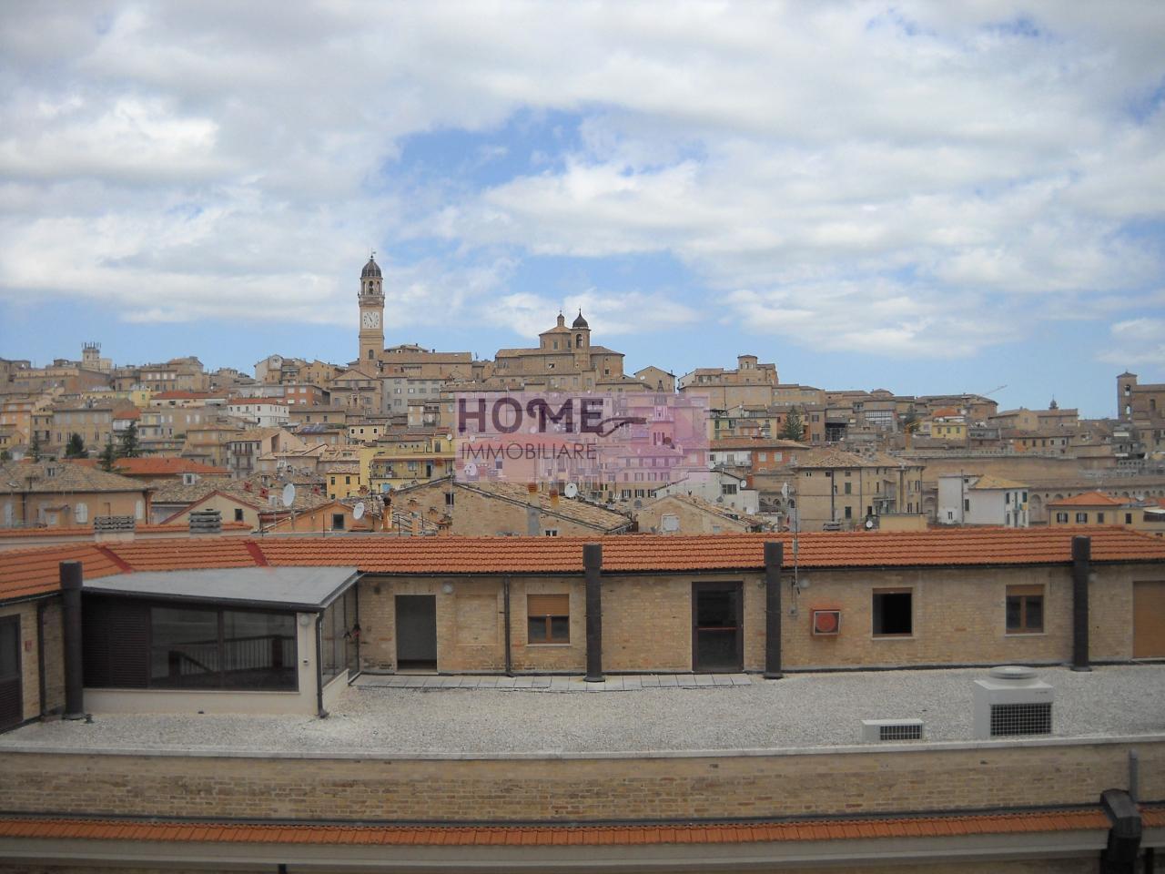 Appartamento in vendita a Macerata, 5 locali, zona Località: corsoCairoli, prezzo € 85.000 | Cambio Casa.it