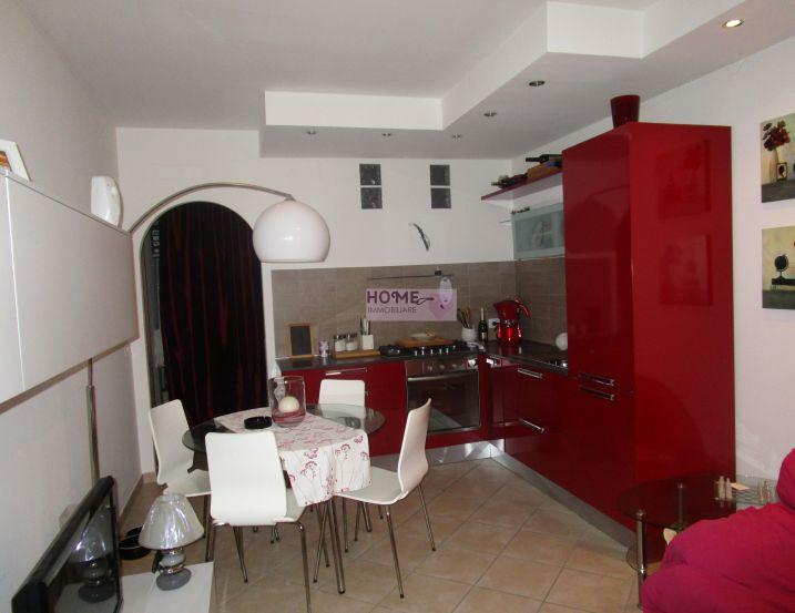 Appartamento in vendita a Macerata, 3 locali, zona Zona: Semicentrale, prezzo € 80.000 | Cambio Casa.it