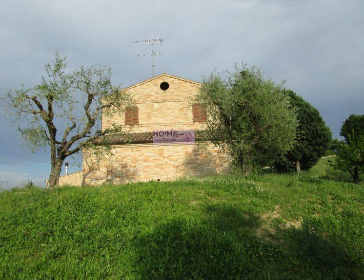 Soluzione Indipendente in vendita a Corridonia, 8 locali, zona Località: zonasemi-centrale, Trattative riservate | Cambio Casa.it