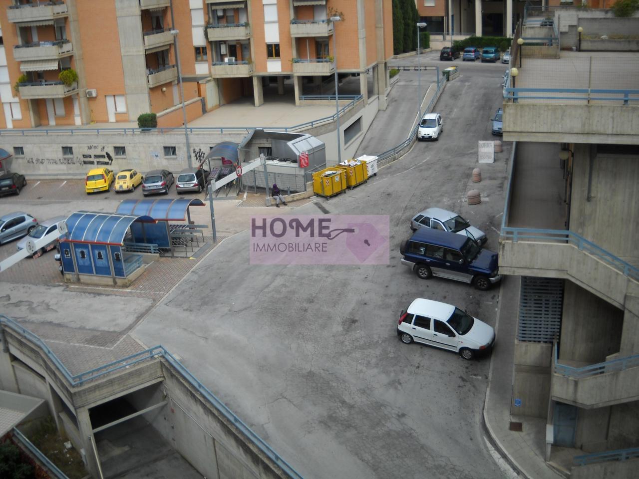 Box / Garage in Vendita a Macerata