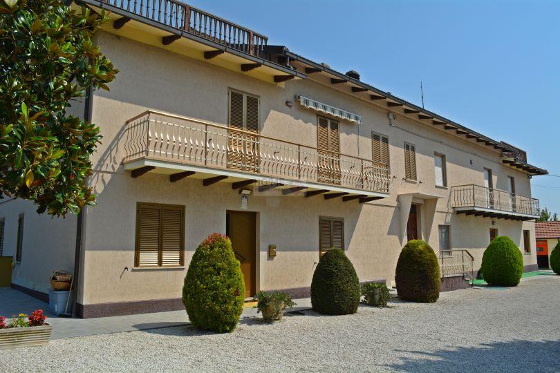 Appartamento in vendita a Macerata, 6 locali, zona Zona: Periferia, prezzo € 160.000 | Cambio Casa.it