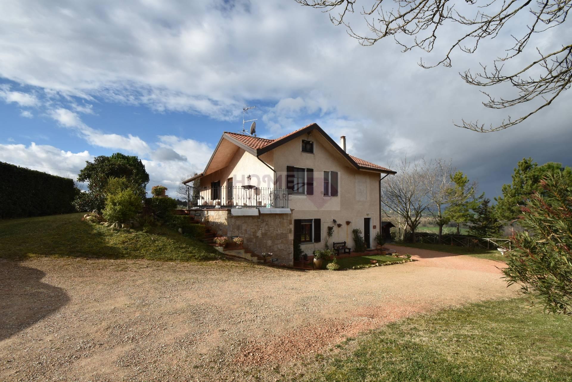 Villa in vendita a Petriolo, 10 locali, prezzo € 360.000 | Cambio Casa.it